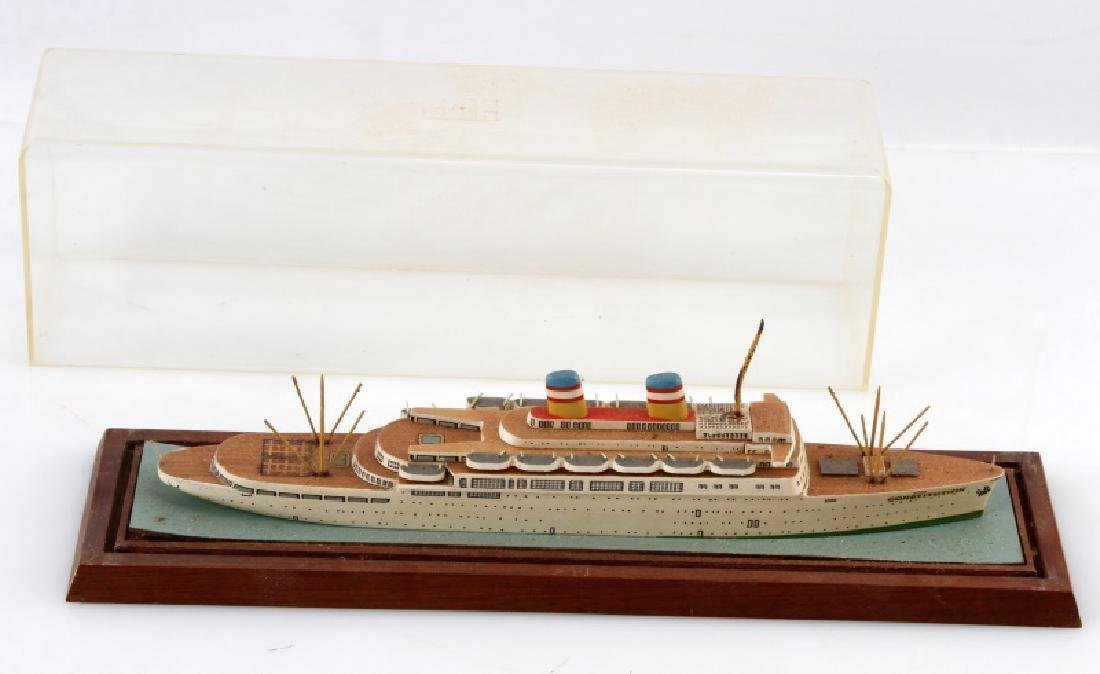 SS CONSTITUTION MODEL SHIP WOOD CONSTRUCTION - 2