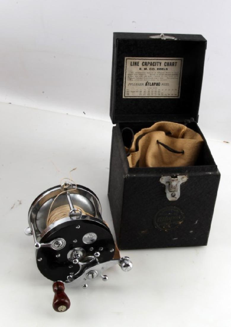 VINTAGE 1960'S PFLEUGER 1660 REEL MINT W BOX & TAG