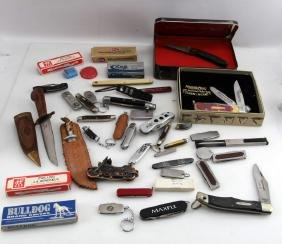 25 PLUS PIECE LOT OF ASSORTED POCKET KNIVES