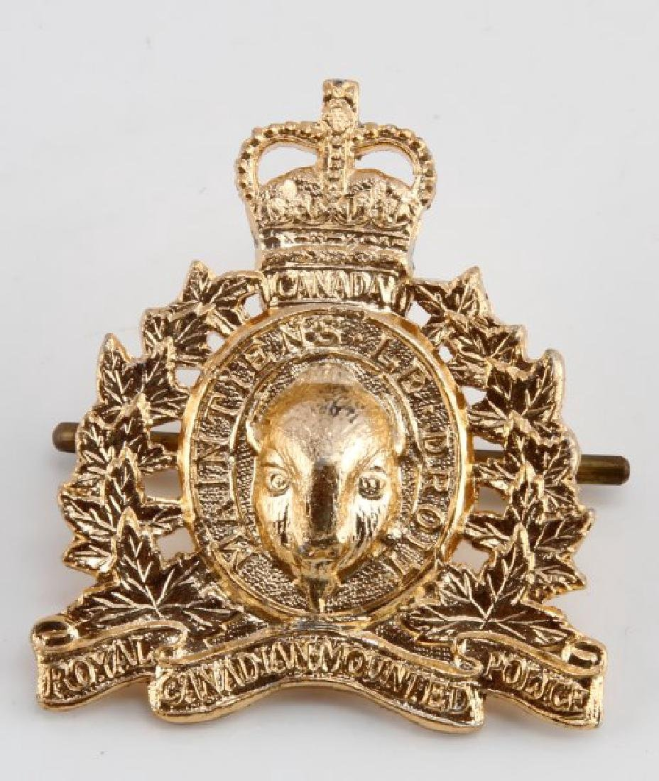 RCMP ROYAL CANADIAN MOUNTED POLICE CAP BADGE