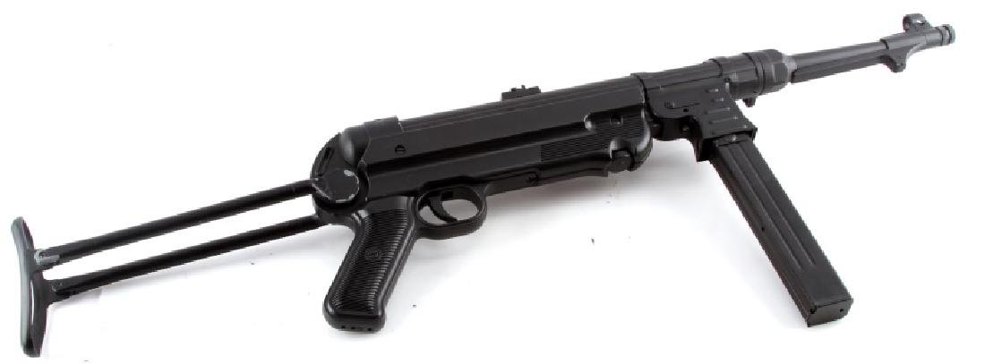 AIRSOFT REPRODUCTION WWII GERMAN MP-40 MACHINE GUN
