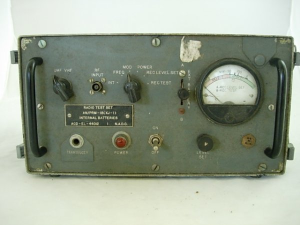 WWII MILITARY RADIO TEST SET
