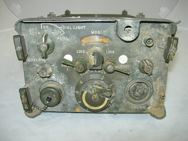 "WWII US ARMY FIELD RADIO 4""x7""x15"""