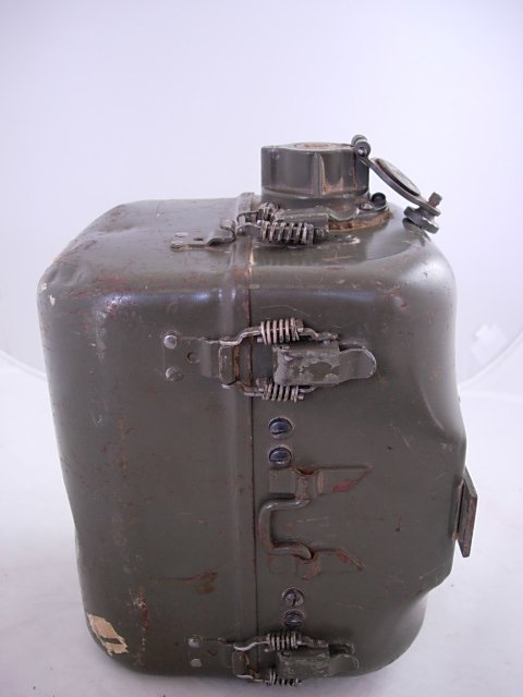 WWII US ARMY SIGNAL CORPS RADIO GENERATOR GN-58-A   - 5