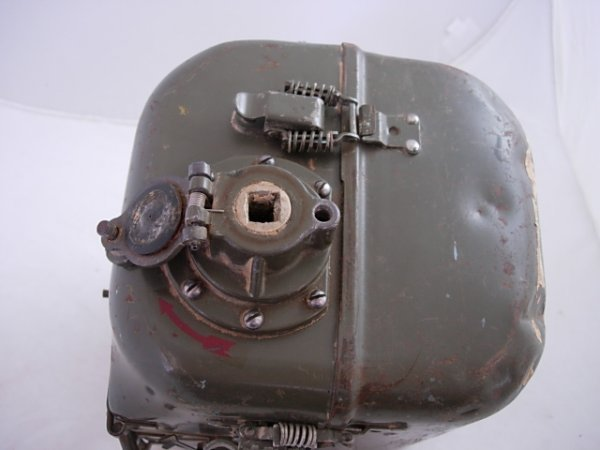 WWII US ARMY SIGNAL CORPS RADIO GENERATOR GN-58-A   - 6