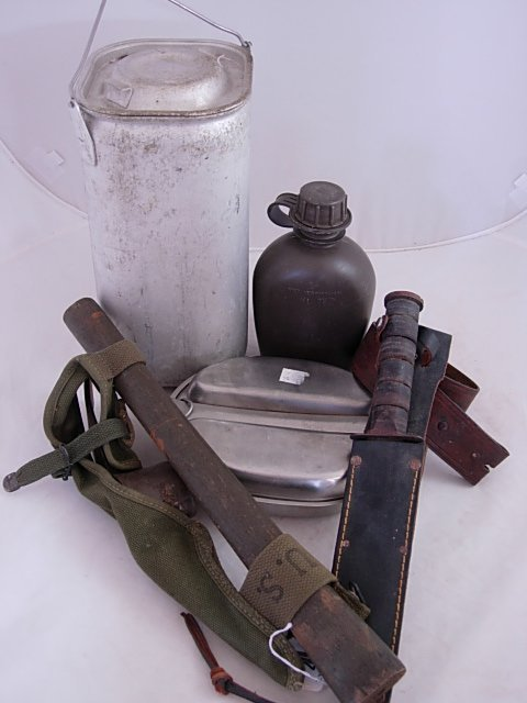 WWII FIELD KNIVES CANTEEN & MESS KIT