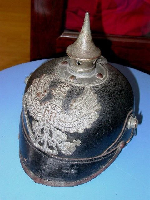 185: WWI GERMAN PRUSSIAN 1915 PICKELHAUBE SPIKED HELMET