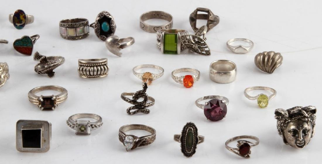321 GRAMS OF VINTAGE SILVER RINGS 925 SOME W STONE - 4