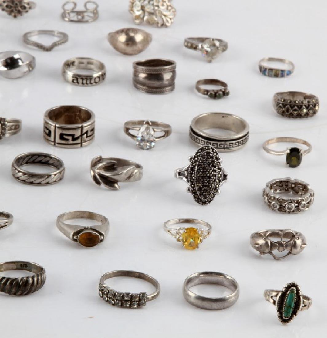 350 GRAMS OF VINTAGE SILVER FASHION RINGS DEALER - 4