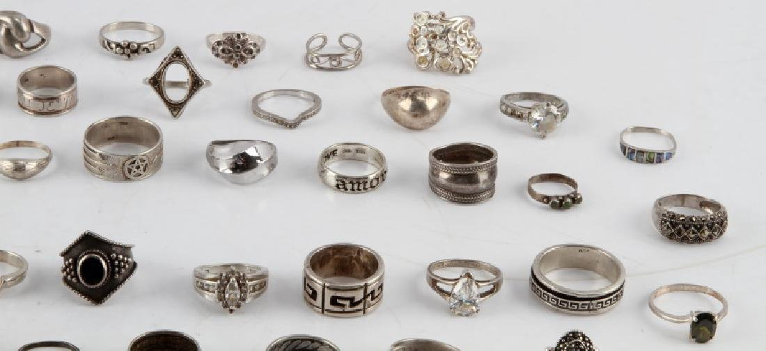 350 GRAMS OF VINTAGE SILVER FASHION RINGS DEALER - 5