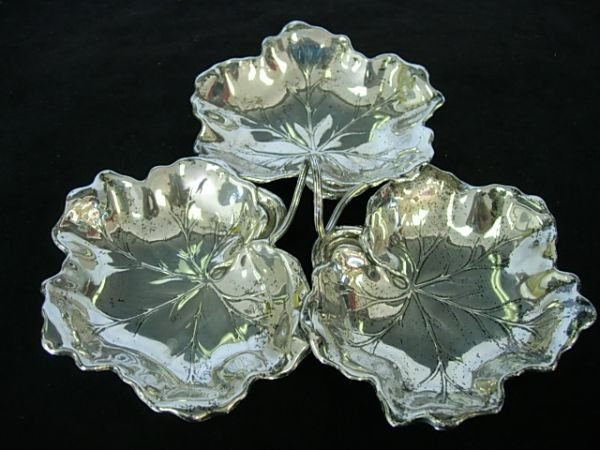 REED BARTON STERLING SILVER TRIPLE LEAF CONDIMENT DISH