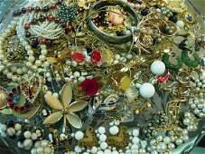 HUGE VINTAGE COSTUME JEWELRY LOT HASKELL CORO CAMEO