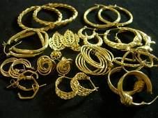 LADIES 10 14K GOLD EARRINGS 33 GRAMS NOT SCRAP