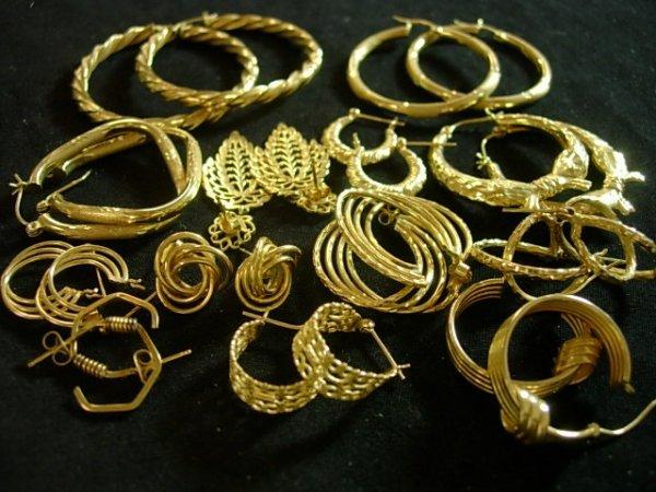 LADIES 10 &14K GOLD EARRINGS 33 GRAMS NOT SCRAP