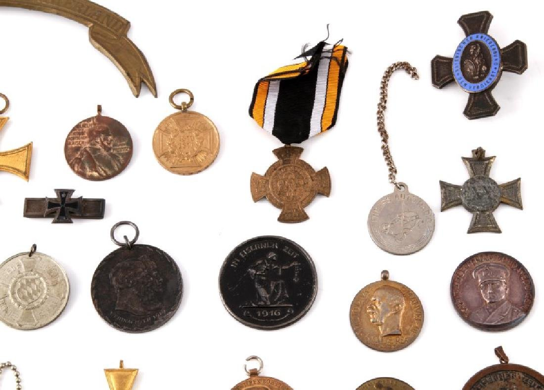 LOT OF 30 PLUS WWI GERMAN MILITARY MEDALS - 3