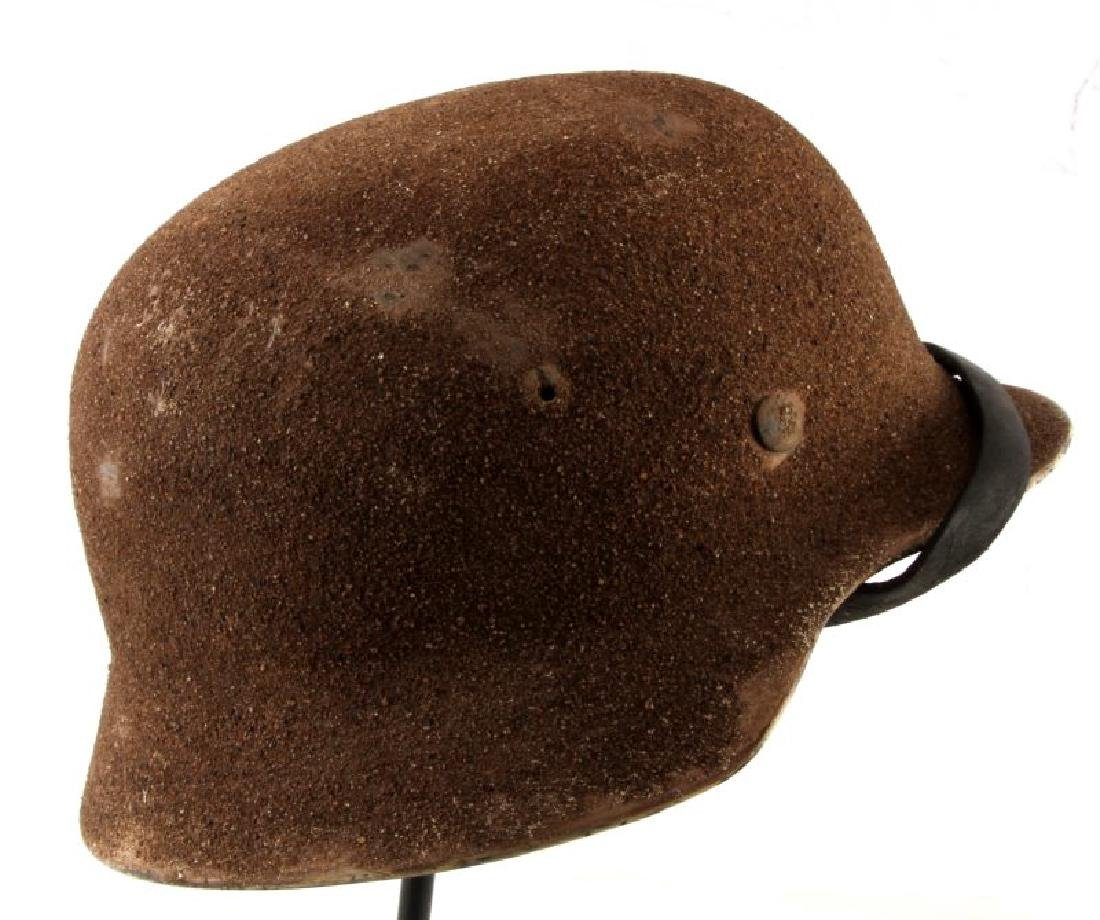 AK SAND M40 HELMET SIZE 57 WITH LEATHER LINER 1941 - 2