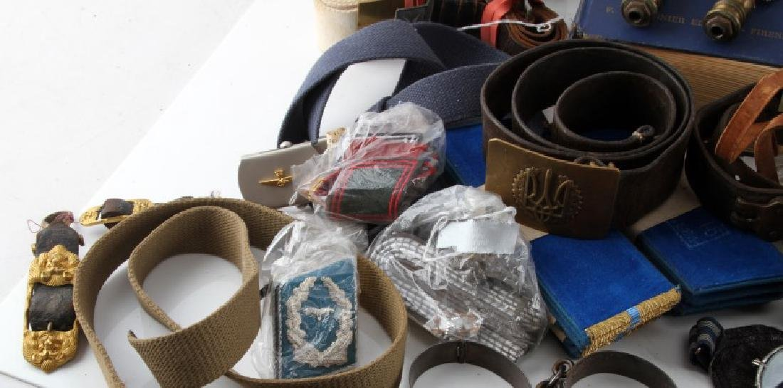 MIXED FOREIGN MILITARY LOT BELTS BOOKS INSIGNIA - 7