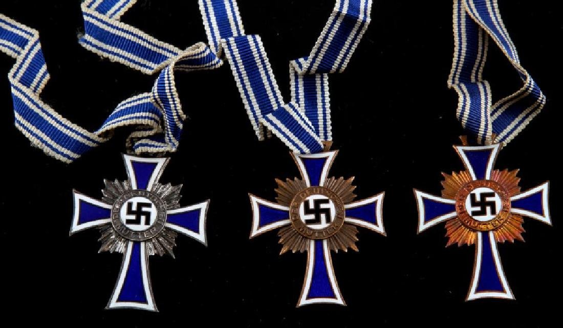 GERMAN WWII 5 MOTHERS CROSSES 2 SILVER 3 BRONZE - 2