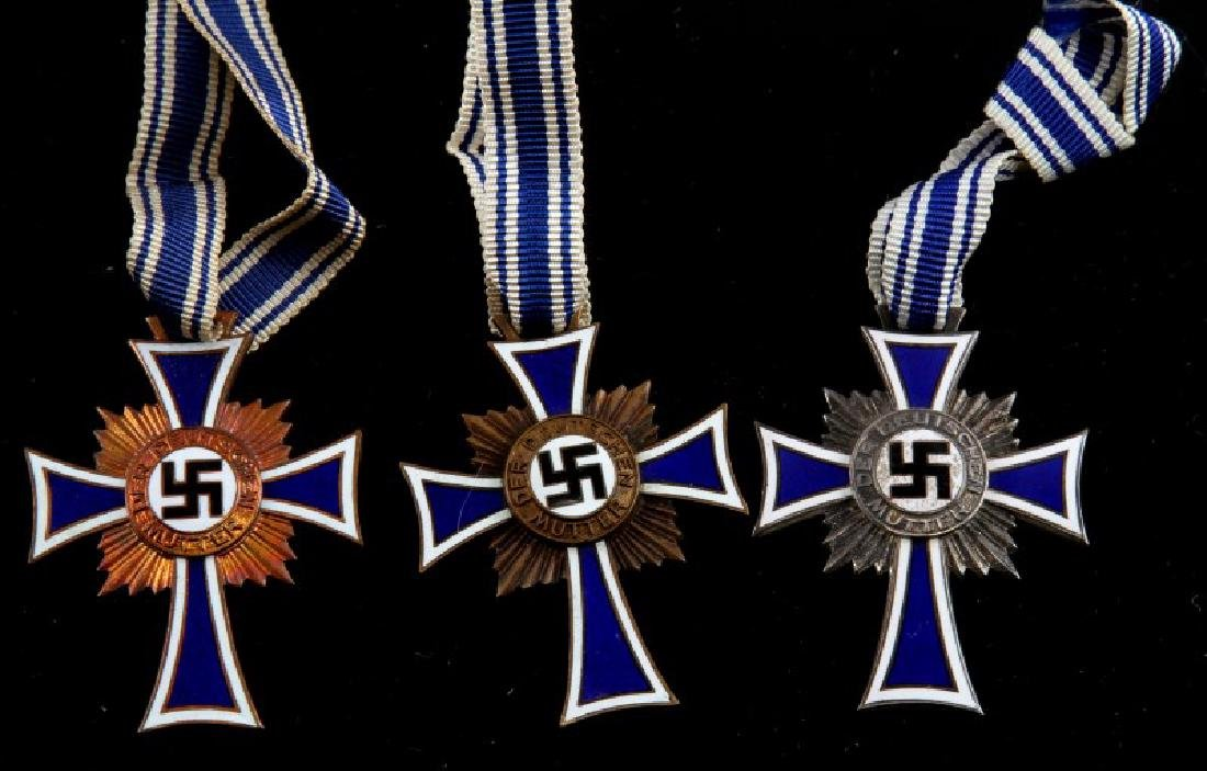 GERMAN WWII 5 MOTHERS CROSSES 2 SILVER 3 BRONZE - 3