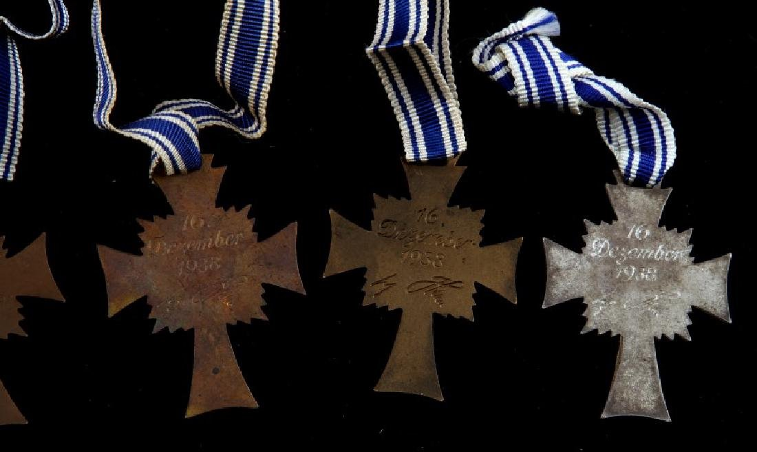 GERMAN WWII 5 MOTHERS CROSSES 2 SILVER 3 BRONZE - 5
