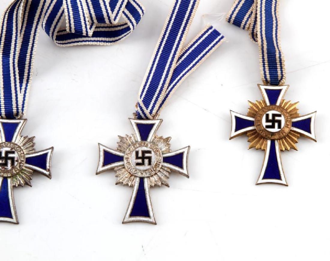 4 GERMAN WWII MOTHERS CROSSES WITH RIBBONS - 3