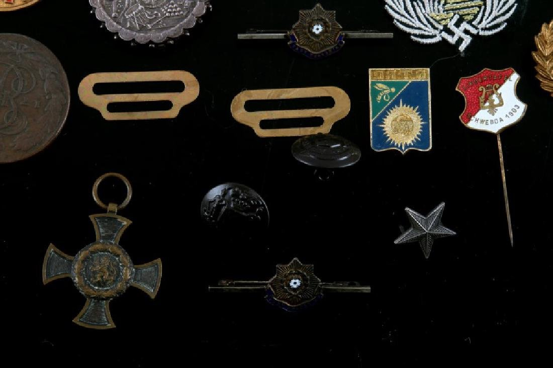 ASSORTED LOT OF EARLY 20TH CENTURY MILITARY ITEMS - 5
