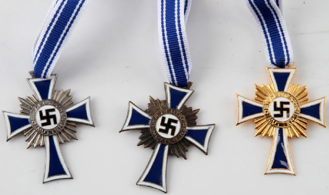LOT OF 3 WWII GERMAN 3RD REICH MOTHERS CROSSES - 2