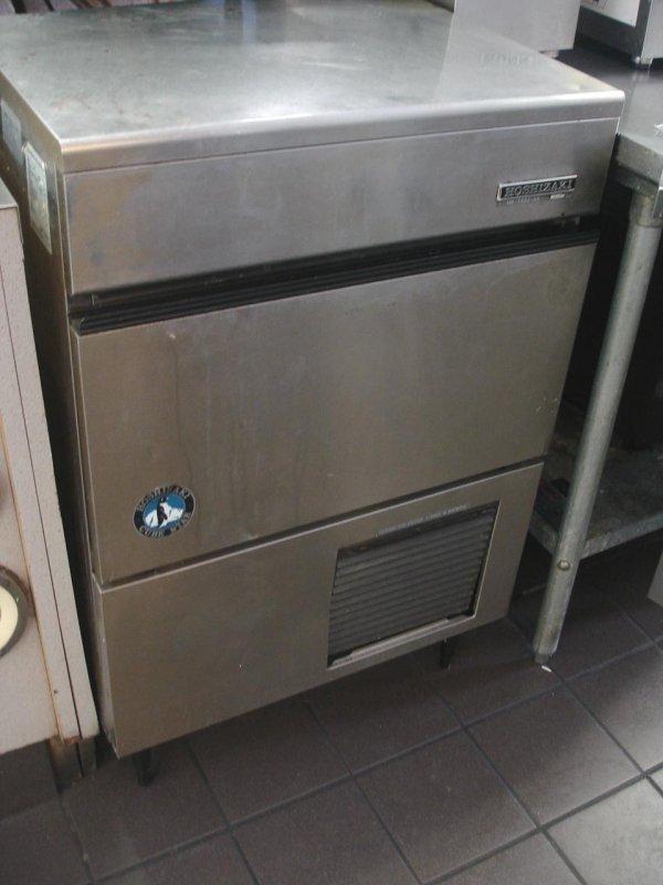 HOSHIZAKI ICE CUBE MACHINE MAKER 122 LB COMMERCIAL
