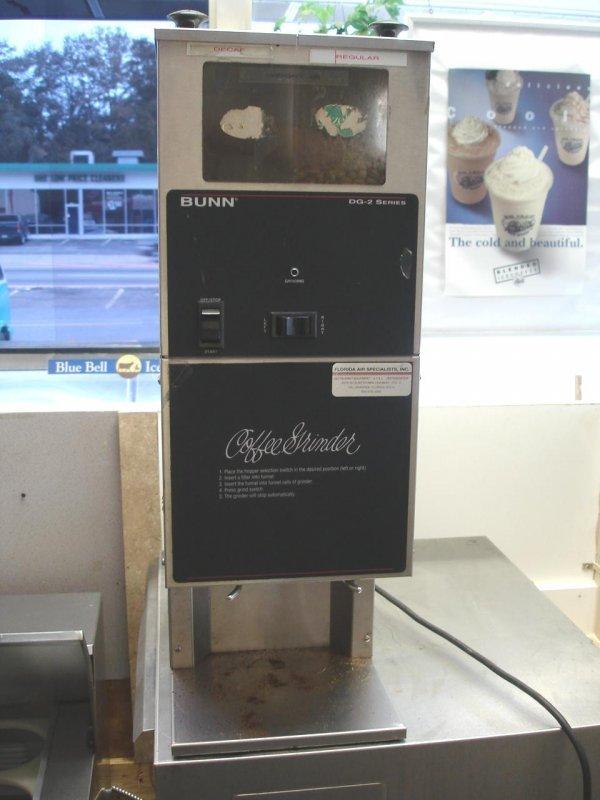 BUNN DG-2 DUAL HOPPER COFFEE GRINDER COMMERCIAL