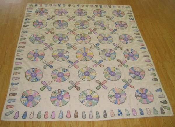 ANTIQUE QUILT HAND MADE WHEELS PATTERN