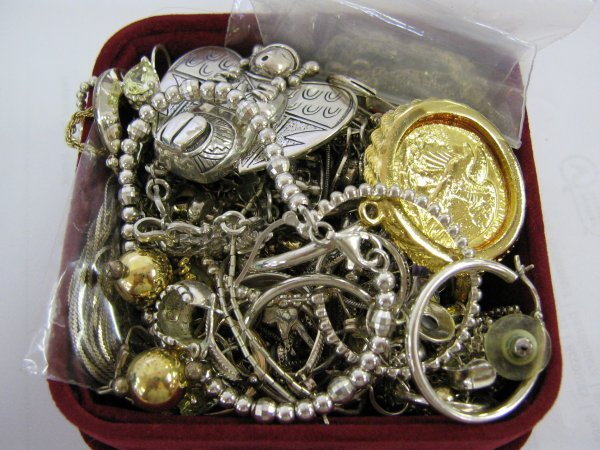 10 OUNCES OF STERLING SILVER LADIES JEWELRY