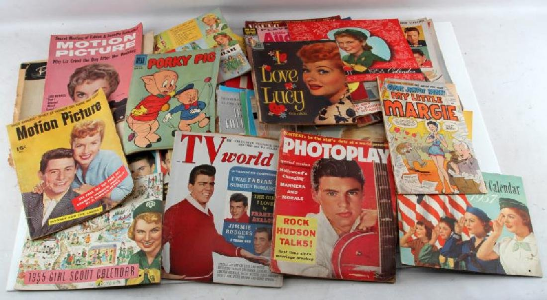 LARGE LOT OF PHOTOPLAY MAD MOVIE COMICS MAGAZINE