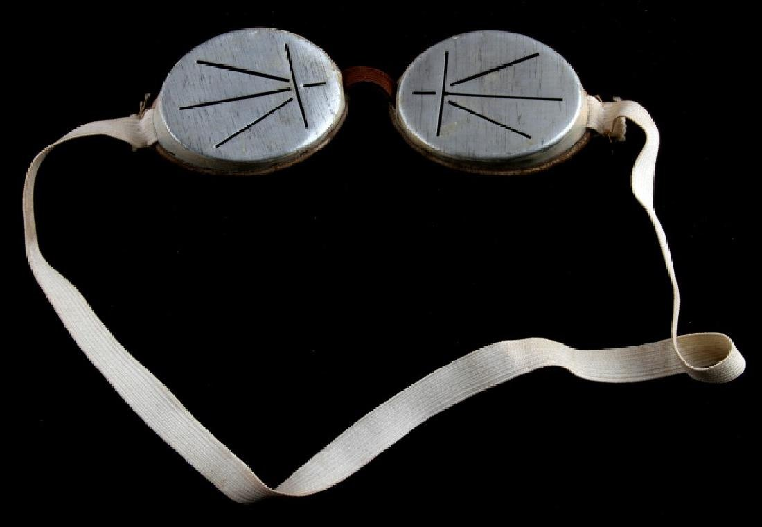 PAIR OF WWII ERA JAPANESE KEMPEITAI SNOW GOGGLES