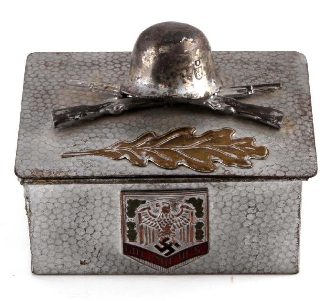 GERMAN WWII HEER ARMY PERSONAL MEDAL DISPLAY BOX