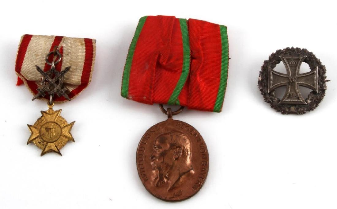 3 GERMAN WWI MEDAL & BADGE LOT IRON CROSS ETC