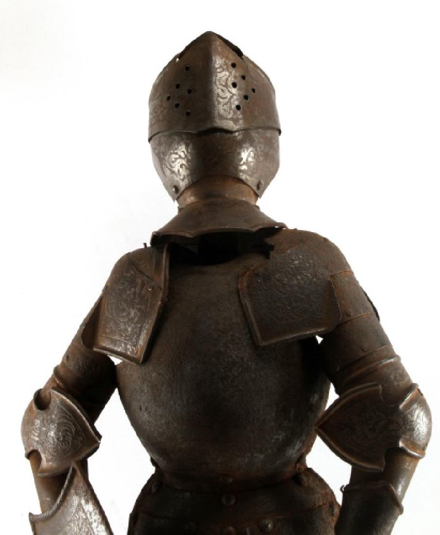ANTIQUE 19TH CENTURY SUIT OF ARMOUR MODEL W SHIELD - 2