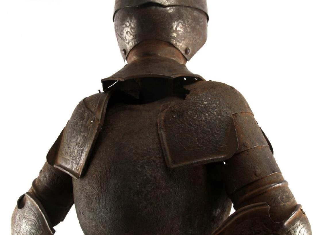 ANTIQUE 19TH CENTURY SUIT OF ARMOUR MODEL W SHIELD - 4