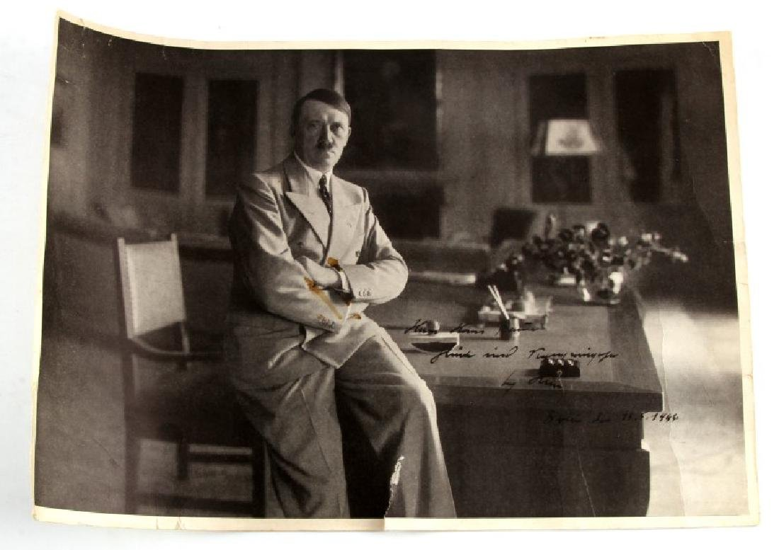 WWII GERMAN THIRD REICH HITLER SIGNED B&W PRINT