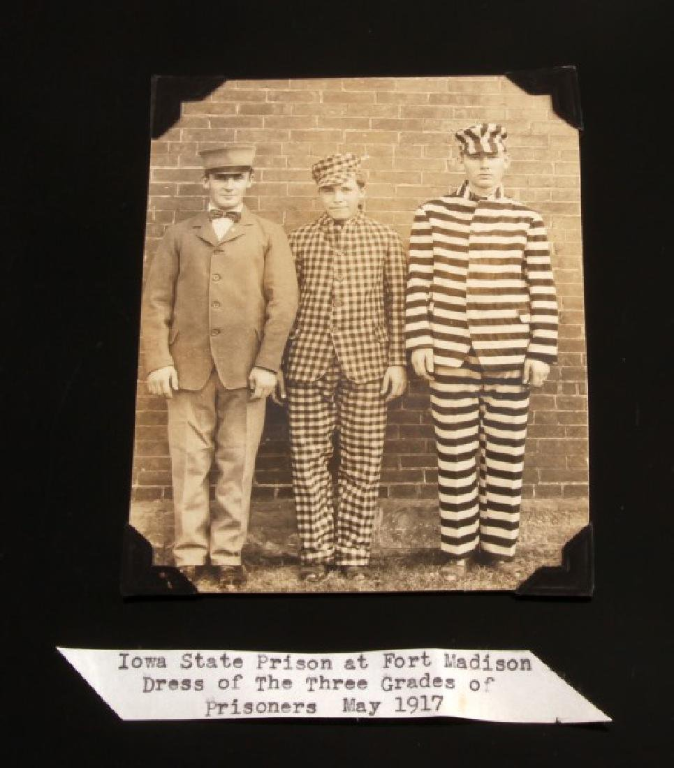1917 IOWA STATE PRISON UNIFORM STYLE PHOTO