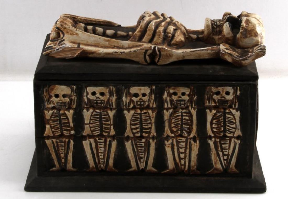 ANTIQUE ANIMIST TRIBAL AFRICAN MEMENTO MORI BOX