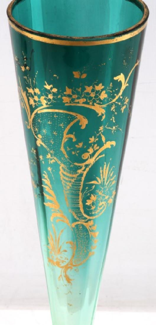 VINTAGE GREEN BOHEMIAN ART GLASS TRUMPET VASE - 2