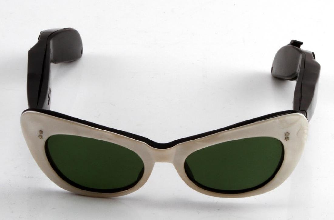 VINTAGE RETRO CATS EYE TRANSISTOR RADIO SUNGLASSES