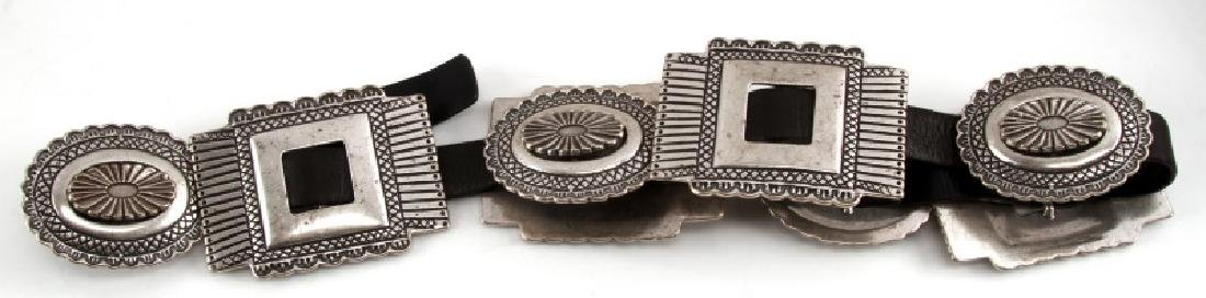 SOUTHWESTERN SILVER TONE AND LEATHER CONCHA BELT