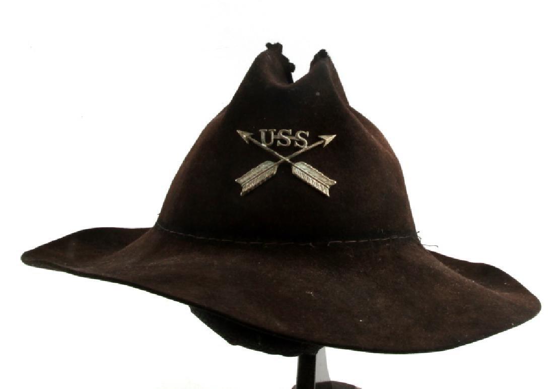 INDIAN WARS U.S. SCOUT SERVICE HAT & INSIGNIA