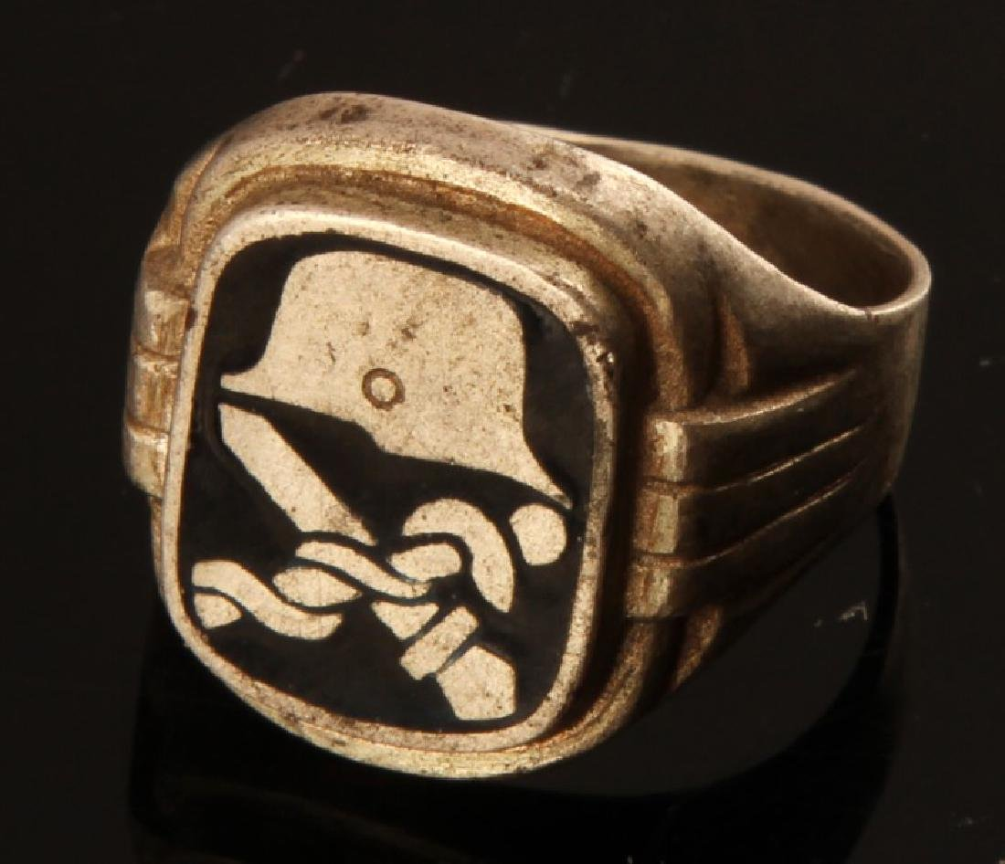 WWII GERMAN 3RD REICH SILVER MEDICAL OFFICER RING