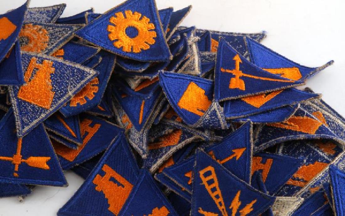 US WWII AND POST WAR DUIS AND AIRBORNE PATCH LOT