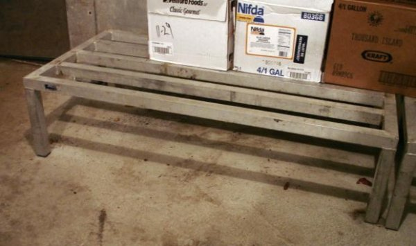 LOT ALUMINUM DUNNAGE STORAGE RACKS COMMERCIAL