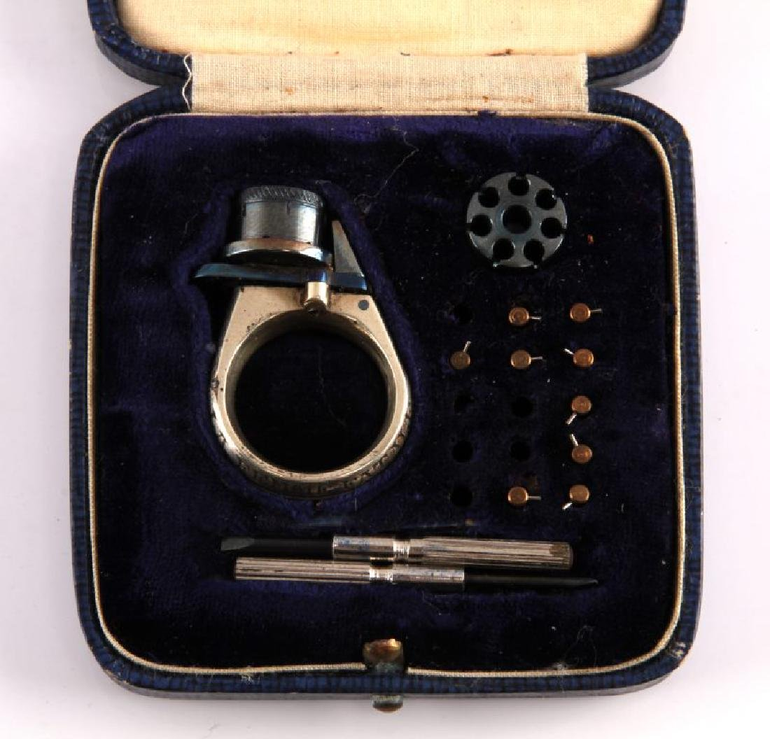 19TH C LA FEMME FATALE CASED REVOLVER RING GUN - 3