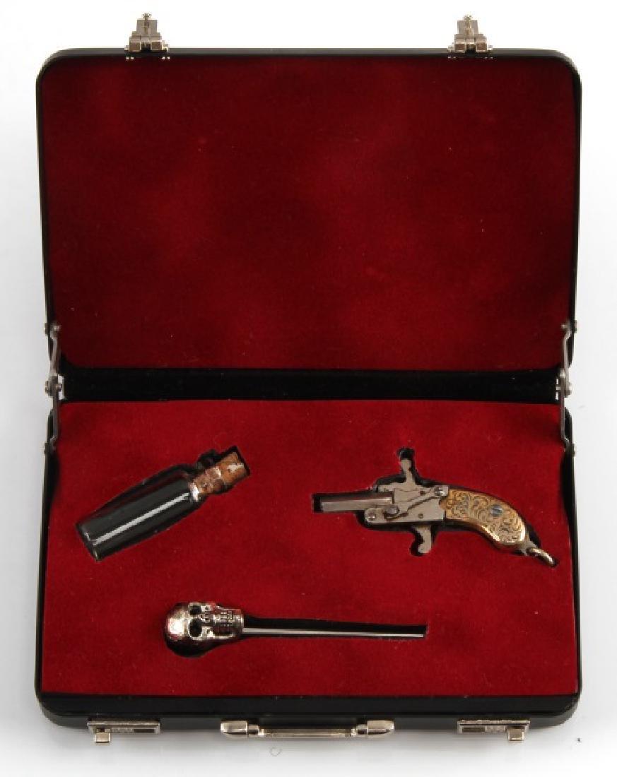 2MM PIN GUN WITH SKULL PIN AND VIAL LOT