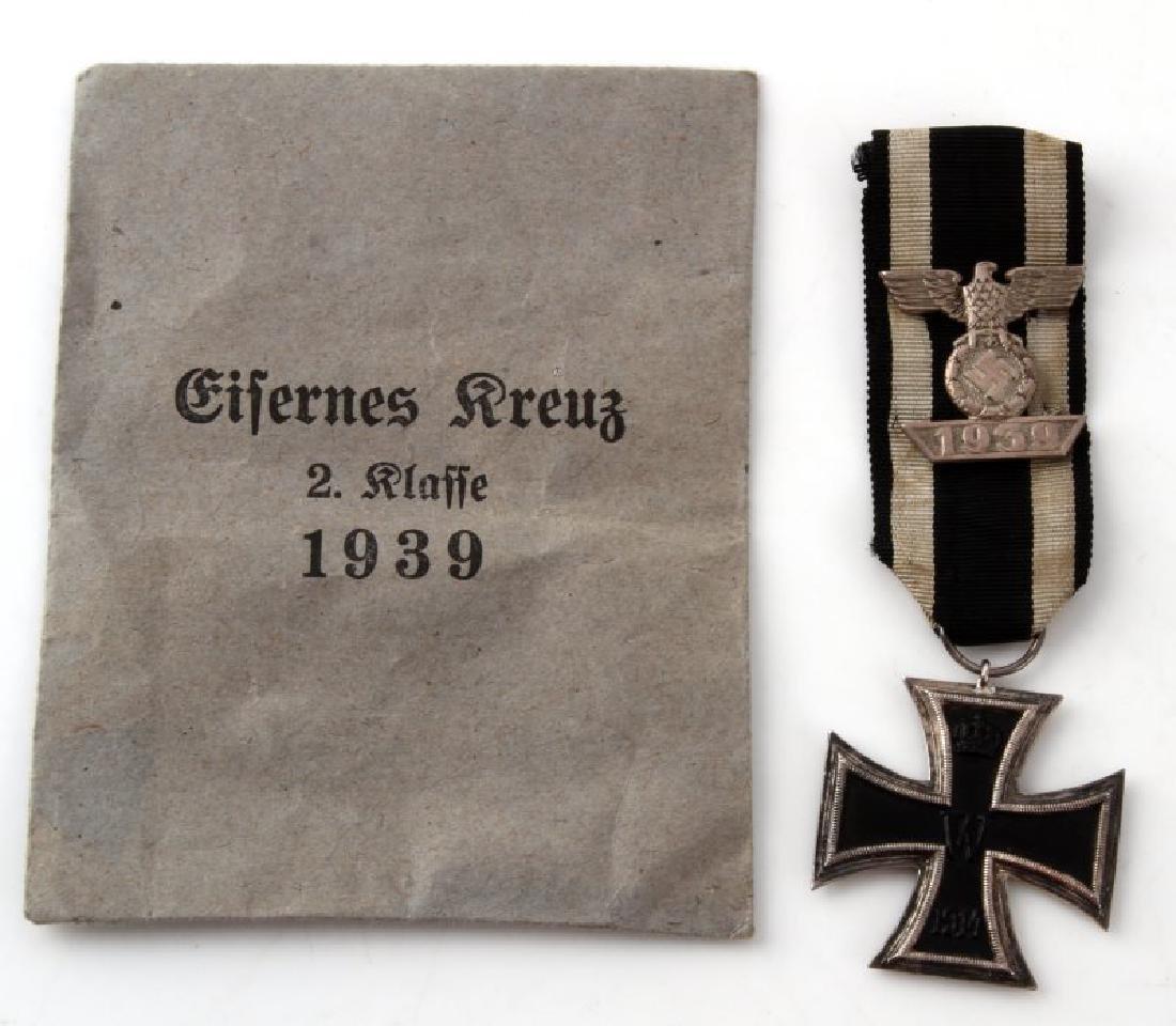 WWI WWII GERMAN IRON CROSS SECOND CLASS W/ SPANGE